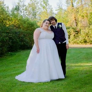 05765b77d5e Dresses - Size 28 corset wedding dress
